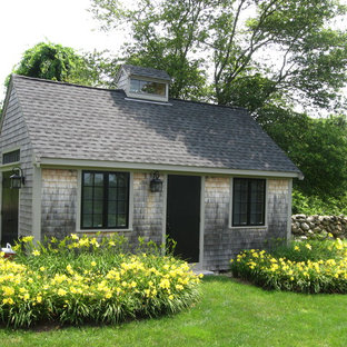 Example of a mid-sized classic detached guesthouse design in Boston