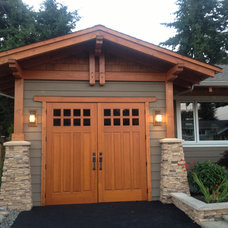 Traditional Garage And Shed by Tamlin Homes