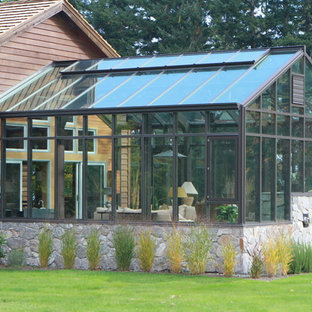 Design ideas for an expansive contemporary attached greenhouse in Vancouver.