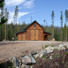 Farmhouse Garage And Shed by Sand Creek Post & Beam