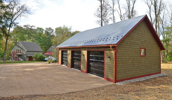 Master builder crafts a dream workshop for Cheap barn style homes