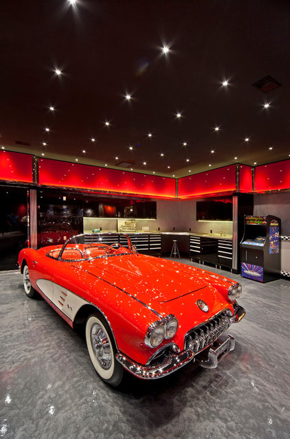 Eclectic Garage And Shed by Design Gaps, Inc.