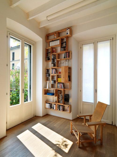 soggiorno con camino bifacciale e pareti bianche - foto e idee per ... - Soggiorno Con Camino Bifacciale 2