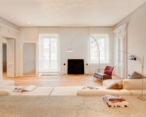 Pareti Soggiorno Beige : Soggiorno con pareti beige torino foto e idee per arredare