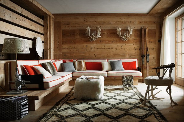 Rustic Living Room by Luisa Fontanella architetto