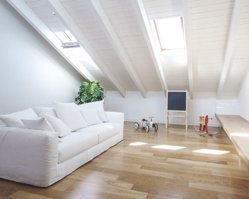Pareti Bianche E Beige : Soggiorno con sala giochi e pareti bianche foto e idee per arredare