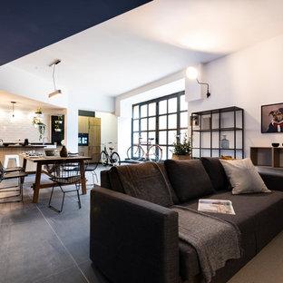 BIKE GARAGE - Karisma Home Staging