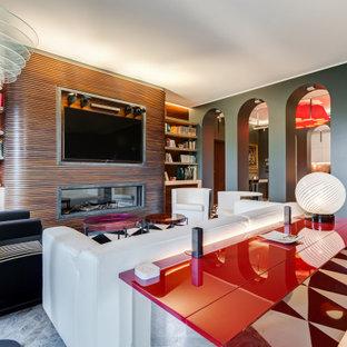 Idee per un soggiorno minimal aperto e di medie dimensioni con sala formale, TV a parete, pavimento multicolore, pareti grigie, pavimento in marmo, camino lineare Ribbon e cornice del camino in legno