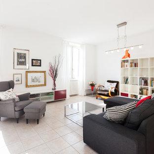 Idee per un grande soggiorno design con pareti bianche