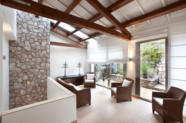 Eclettico Salotto by Scannella Architects