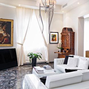 Ispirazione per un soggiorno bohémian aperto e di medie dimensioni con sala formale, pareti bianche, pavimento multicolore e TV autoportante