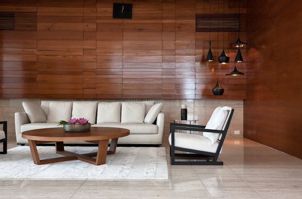 Contemporary Living Room by Laura Rizzi
