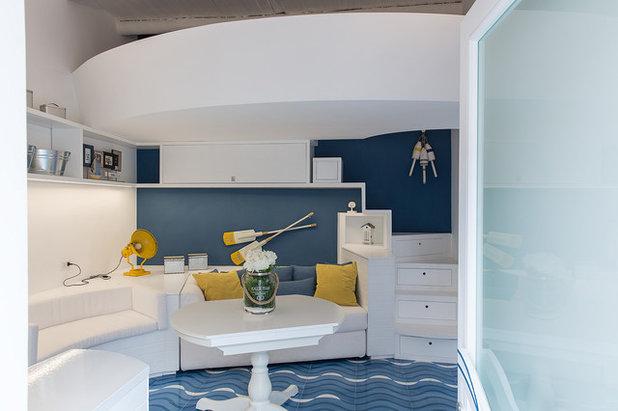 Stile Marinaro Salotto by Studio Ricciardi Architetti