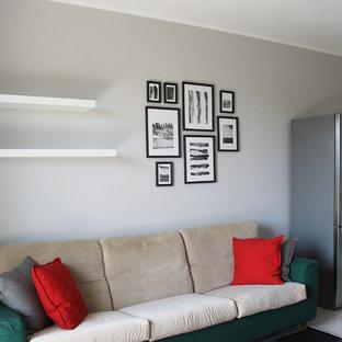 Idee per un piccolo soggiorno contemporaneo aperto con pareti grigie, pavimento in gres porcellanato, nessun camino e pavimento rosa