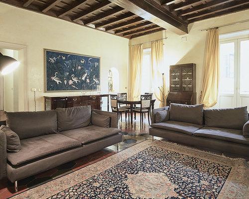 Pareti Soggiorno Beige : Foto e idee per living living classico con pareti beige