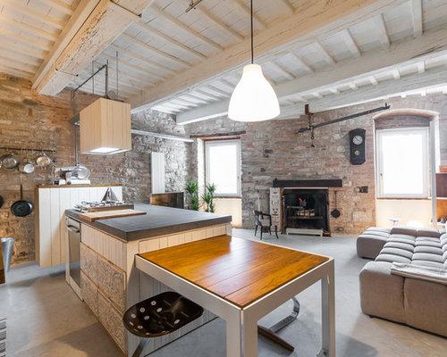 industrial wohnzimmer mit kaminsims aus backstein ideen design bilder houzz. Black Bedroom Furniture Sets. Home Design Ideas