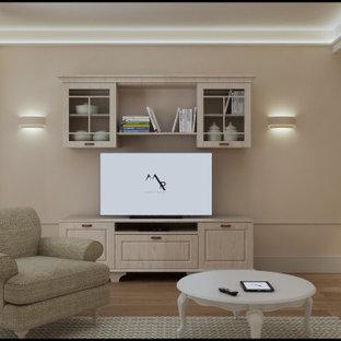 Foto di un soggiorno stile shabby di medie dimensioni e aperto con sala formale, pareti beige, parquet chiaro, nessun camino, parete attrezzata e pavimento beige