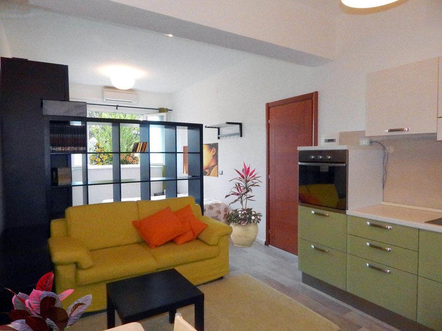 Trasformazione di una cantina in un mini appartamento open space