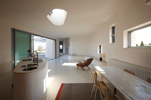 Contemporary Living Room by Mario Cutuli Architetto
