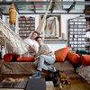 My Houzz: Da Ex-Scuola a Casa Galleria con Soffitti Alti 6 Metri