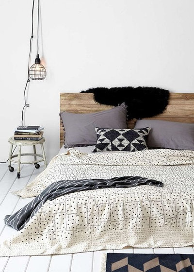 Rustic Bedroom by Dan Art Boligdesign