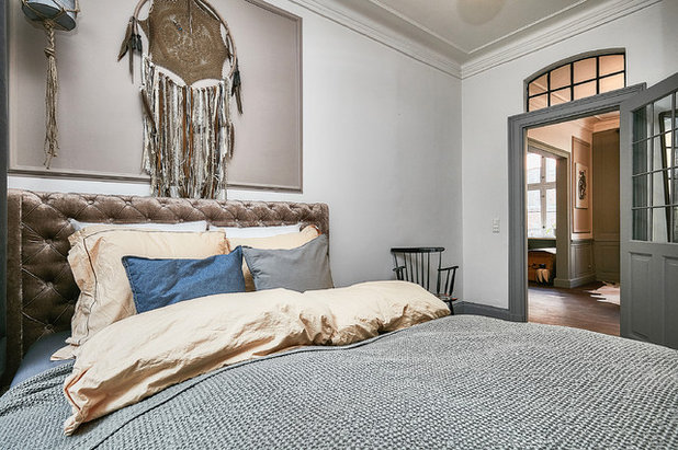Eclectic Bedroom by Fotograf Camilla Ropers