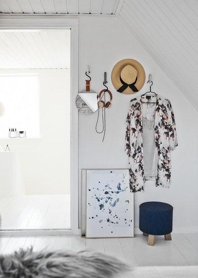 Scandinavian Bedroom by Mia Mortensen Photography
