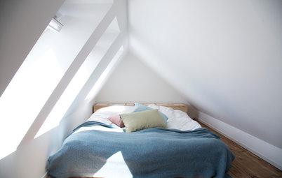 Skråvægge i soveværelset? Sådan indretter du smart og praktisk