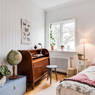 Idéer för ett minimalistiskt gästrum, med vita väggar