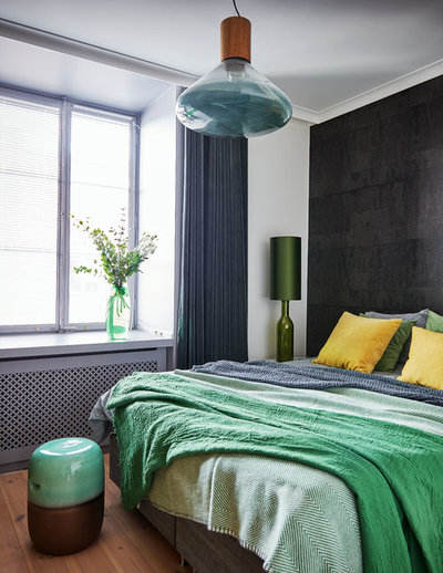 Contemporary Bedroom by Amsterdam Living