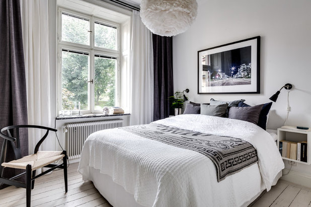 Scandinavian Bedroom By DREAMHOUSE Decorations