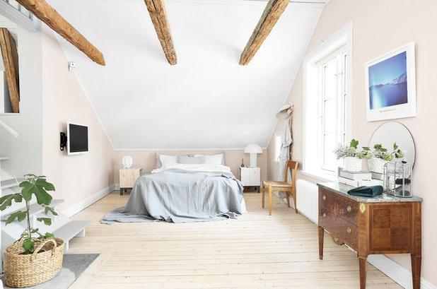 Skandinavisch Schlafzimmer by Fastighetsbyrån