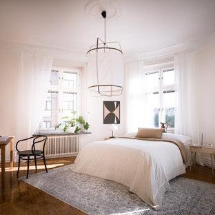 Inredning av ett minimalistiskt sovrum