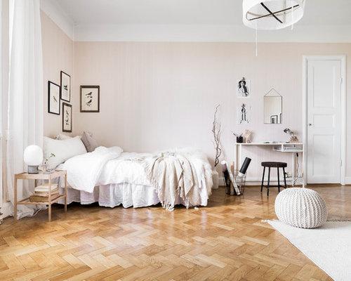 skandinavische schlafzimmer mit rosa wandfarbe ideen design bilder houzz. Black Bedroom Furniture Sets. Home Design Ideas