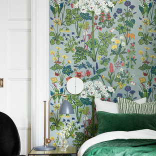 This is an example of a scandinavian bedroom in Gothenburg.