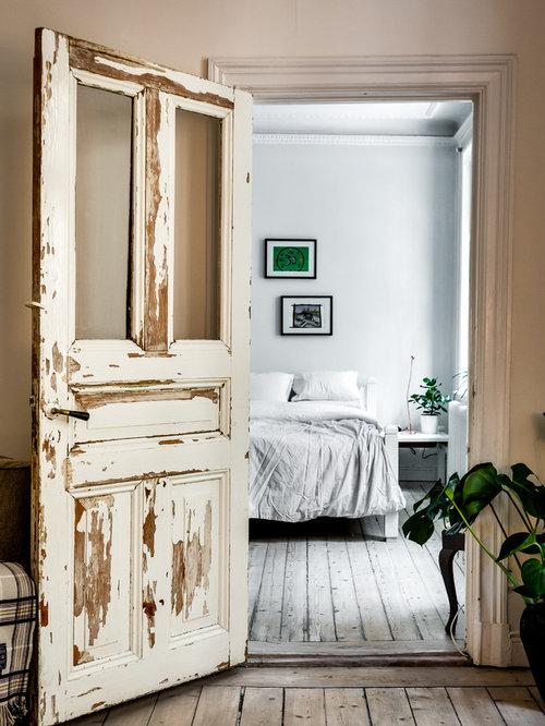 chambre victorienne avec un sol en bois clair photos et id es d co de chambres. Black Bedroom Furniture Sets. Home Design Ideas