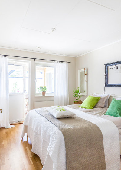 Transitional Bedroom by HOUSE Helsingborg AB