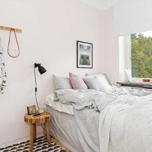 Idéer för att renovera ett mellanstort skandinaviskt gästrum, med rosa väggar