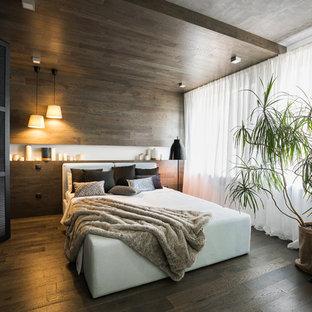 На фото: большая спальня в современном стиле с