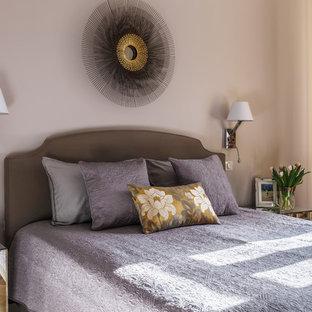 На фото: со средним бюджетом маленькие хозяйские спальни в стиле современная классика