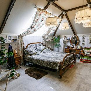 Неиссякаемый источник вдохновения для домашнего уюта: гостевая спальня в стиле фьюжн без камина