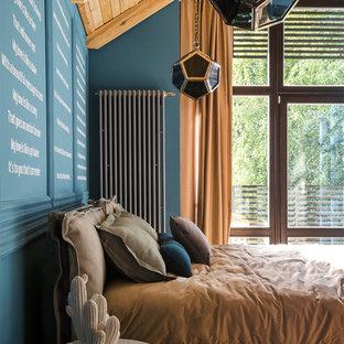 Неиссякаемый источник вдохновения для домашнего уюта: спальня в стиле фьюжн с синими стенами