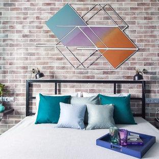 Создайте стильный интерьер: хозяйская спальня в современном стиле с коричневыми стенами - последний тренд