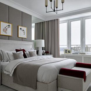 На фото: спальня в стиле современная классика с серыми стенами, ковровым покрытием и серым полом с