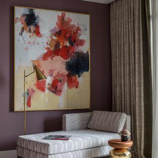 Свежая идея для дизайна: спальня среднего размера в стиле современная классика с ковровым покрытием и бежевым полом без камина - отличное фото интерьера