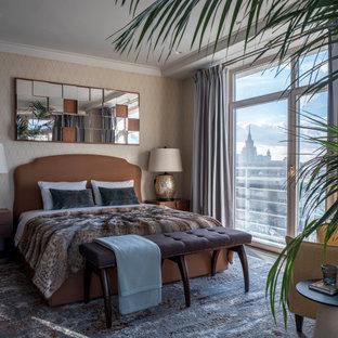 Идея дизайна: хозяйская спальня среднего размера в стиле современная классика с бежевыми стенами