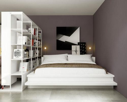 schlafzimmer mit porzellan bodenfliesen und lila wandfarbe ideen design bilder houzz. Black Bedroom Furniture Sets. Home Design Ideas