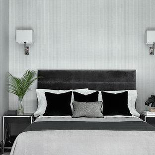 Идея дизайна: гостевая спальня в стиле современная классика с серыми стенами и паркетным полом среднего тона