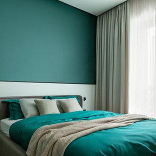 Неиссякаемый источник вдохновения для домашнего уюта: спальня в современном стиле с зелеными стенами