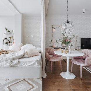 Foto de dormitorio principal, escandinavo, pequeño, sin chimenea, con paredes blancas y suelo multicolor